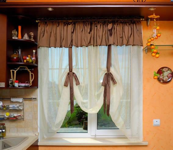 Короткие занавески для кухни