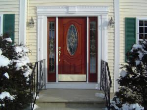 Дверь для коттеджа